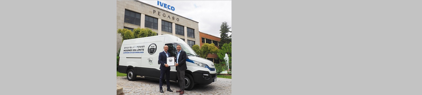 IVECO recibe el premio International Van of the Year 2018 en las instalaciones de Madrid