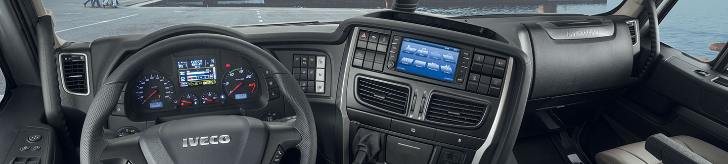 The cabin  provides maximum comfort, productivity and safety - New truck STRALIS XP IVECO