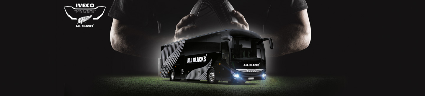 Iveco-Bus-All-Blacks