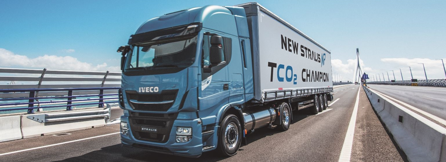 IVECO Stralis NP 400pk wint Project of the Year 2017-award tijdens European Gas Conference in Wenen