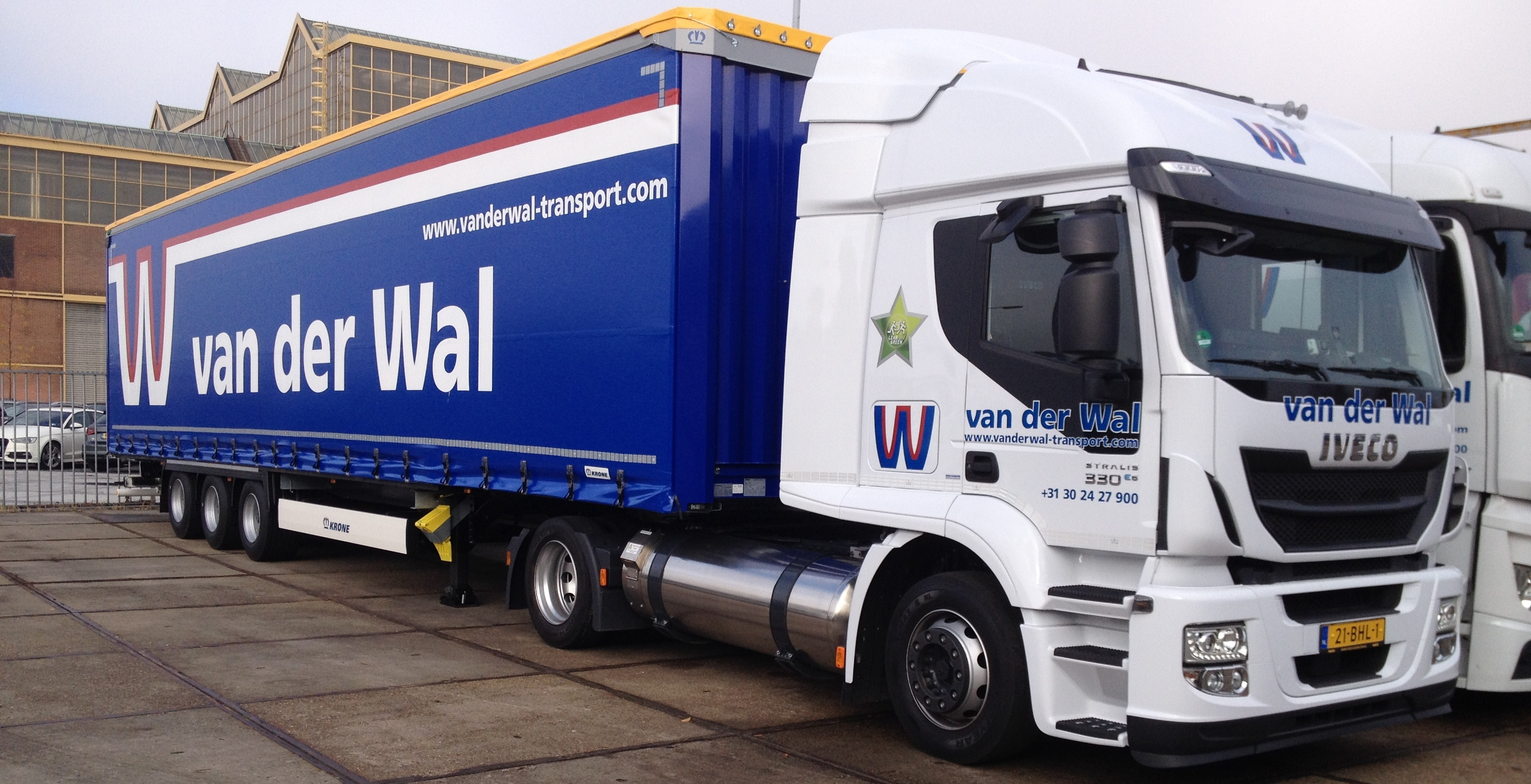 Low-deck Stralis Hi-road LNG voor Van der Wal Transport